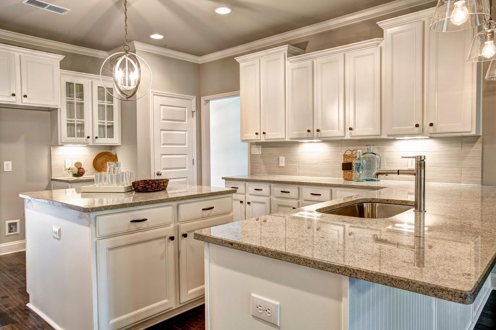 Large Island White Kitchen Cabinets